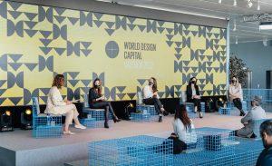 Mesa redonda diseño en femenino